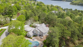 11 Shoestring Bay Road, Mashpee, MA 02649