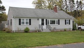 4 Redwood Lane, Dennis, MA 02638