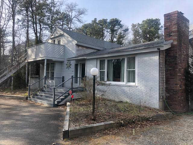 159 Whippoorwill Circle, Mashpee, MA 02649 is now new to the market!