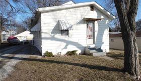 206 Velma Avenue, South Roxana, IL 62087