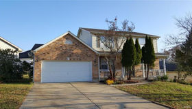 3217 Country Knoll, St Charles, MO 63303
