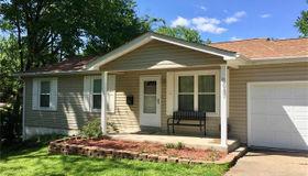 9947 Edmil Avenue, St Louis, MO 63114