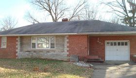 907 Taylor Avenue, Godfrey, IL 62035