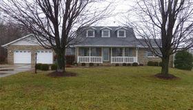 1334 Fox Lake Drive, Godfrey, IL 62035