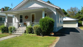 815 South Monroe Street, Litchfield, IL 62056