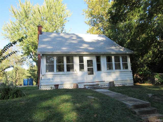712 Highland Avenue, Alton, IL 62002 now has a new price of $49,900!
