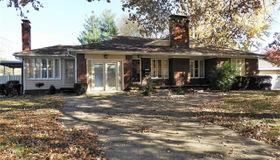 910 North Monroe, Litchfield, IL 62056