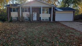 16 Twin Oaks, St Charles, MO 63303