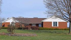 4052 Chestnut Oak Drive, Smithton, IL 62285