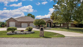 6 Tall Oaks Dr, Troy, IL 62294
