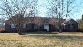 5213 Live Oak Drive, Smithton, IL 62285