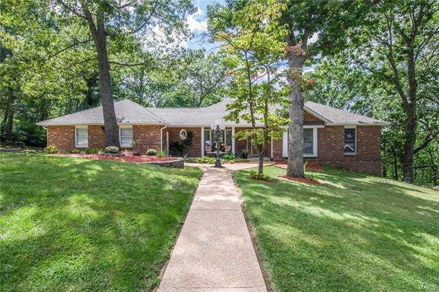 2792 Riebold Circle, Arnold, MO 63010 is now new to the market!
