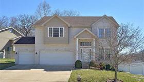 3056 Crimson Oaks Drive, Fenton, MO 63026