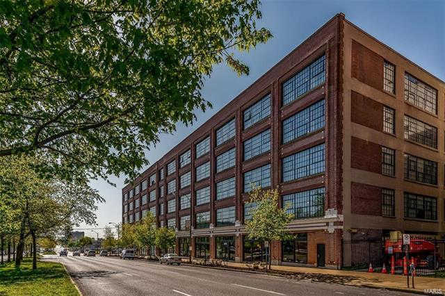 4100 Forest Park Avenue #406, St Louis, MO 63108 now has a new price of $289,900!