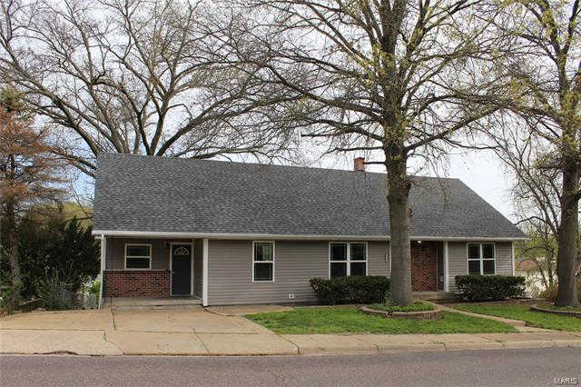 711 West 8th Street, Washington, MO 63090 now has a new price of $209,900!