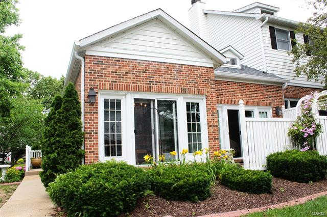 183 Carriage Court, Washington, MO 63090 now has a new price of $185,000!