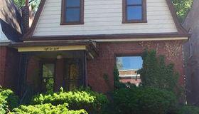 5240 Lotus Avenue, St Louis, MO 63113