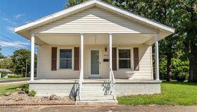 802 South Monroe Street, Litchfield, IL 62056