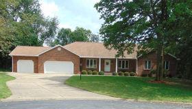 1010 Deerfield Circle, Alton, IL 62002