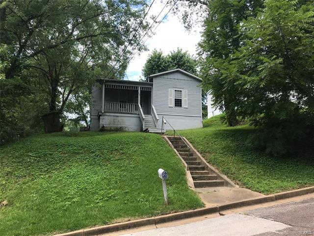 204 Selma, New Haven, MO 63068 is now new to the market!
