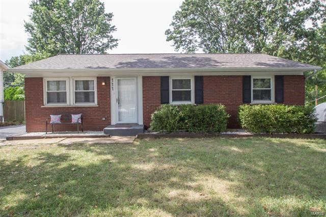 111 Linnview Drive, St Louis, MO 63129 now has a new price of $164,900!