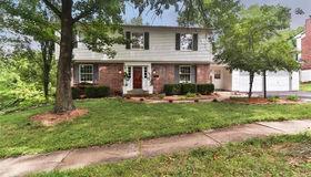 12847 Stump Road, St Louis, MO 63131