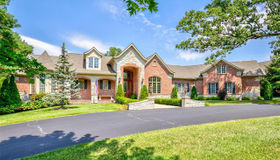 6 Holiday Lane, Frontenac, MO 63131