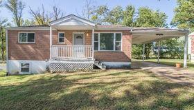 15 Dixie Drive, Fenton, MO 63026