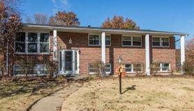 4551 Tauneybrook Drive, St Louis, MO 63128