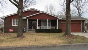 5221 Dover Drive, Godfrey, IL 62035