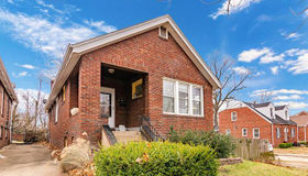 6850 Bartmer Avenue, St Louis, MO 63130