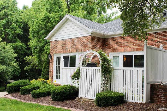 183 Carriage Court, Washington, MO 63090 is now new to the market!