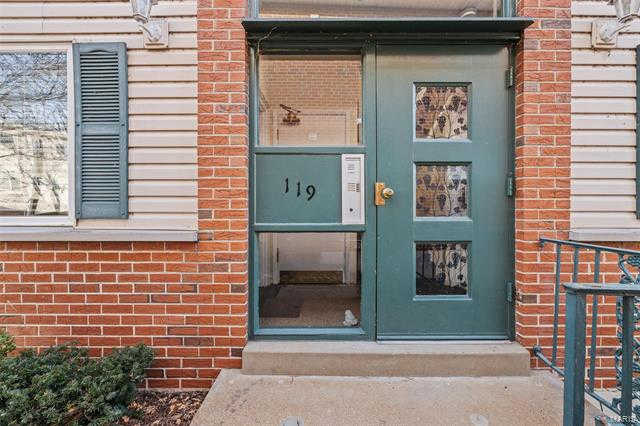 119 East Washington Avenue #1S, St Louis, MO 63122 now has a new price of $135,000!