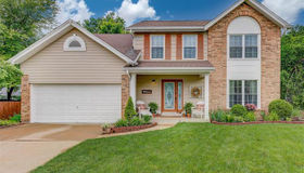 303 Whispering Woods Drive, St Peters, MO 63304