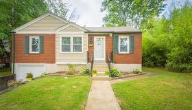 9030 Southview, St Louis, MO 63123