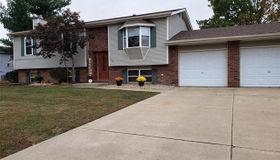 335 Saint Rose Drive, Godfrey, IL 62035