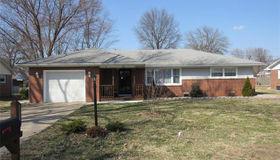 214 Pinewood Drive, Godfrey, IL 62035