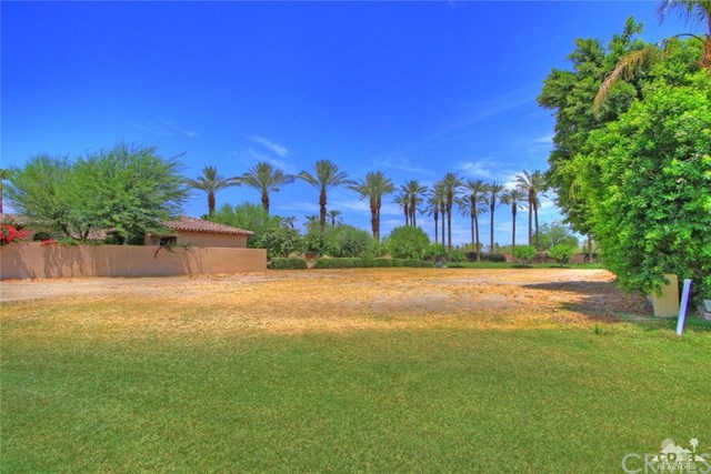 56285 Village Drive Drive, LA Quinta, CA 92253 is now new to the market!