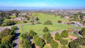 Hutchinson St, Vista, CA 92084