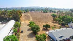 Hutchison, Vista, CA 92084
