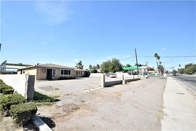 8926 Arlington Avenue, Riverside, CA 92503 is now new to the market!