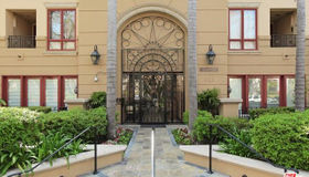 411 N Oakhurst Drive #404, Beverly Hills, CA 90210