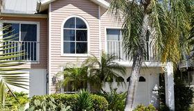 12174 Siesta Dr, Fort Myers Beach, FL 33931