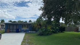 203 Kingston Dr, Fort Myers, FL 33905