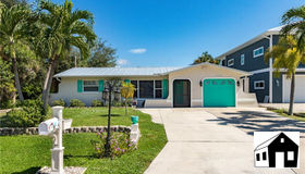 2368 Date St, St. James City, FL 33956
