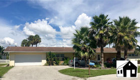 5207 Willow CT, Cape Coral, FL 33904