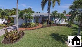 13 Sunview Blvd, Fort Myers Beach, FL 33931