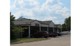 106 Northwest 2nd Street, Wright City, MO 63390