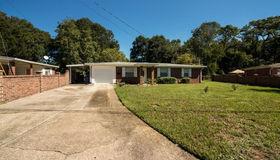 2111 Maple Leaf Dr E, Jacksonville, FL 32211
