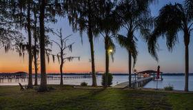 1823 Lakeshore Dr N, Fleming Island, FL 32003